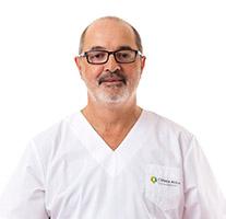 Ricardo-Villanueva---Cirugía-general-y-proctología-(1)