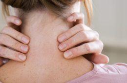 Alivia-la-torticolis-y-los-dolores-de-cuello
